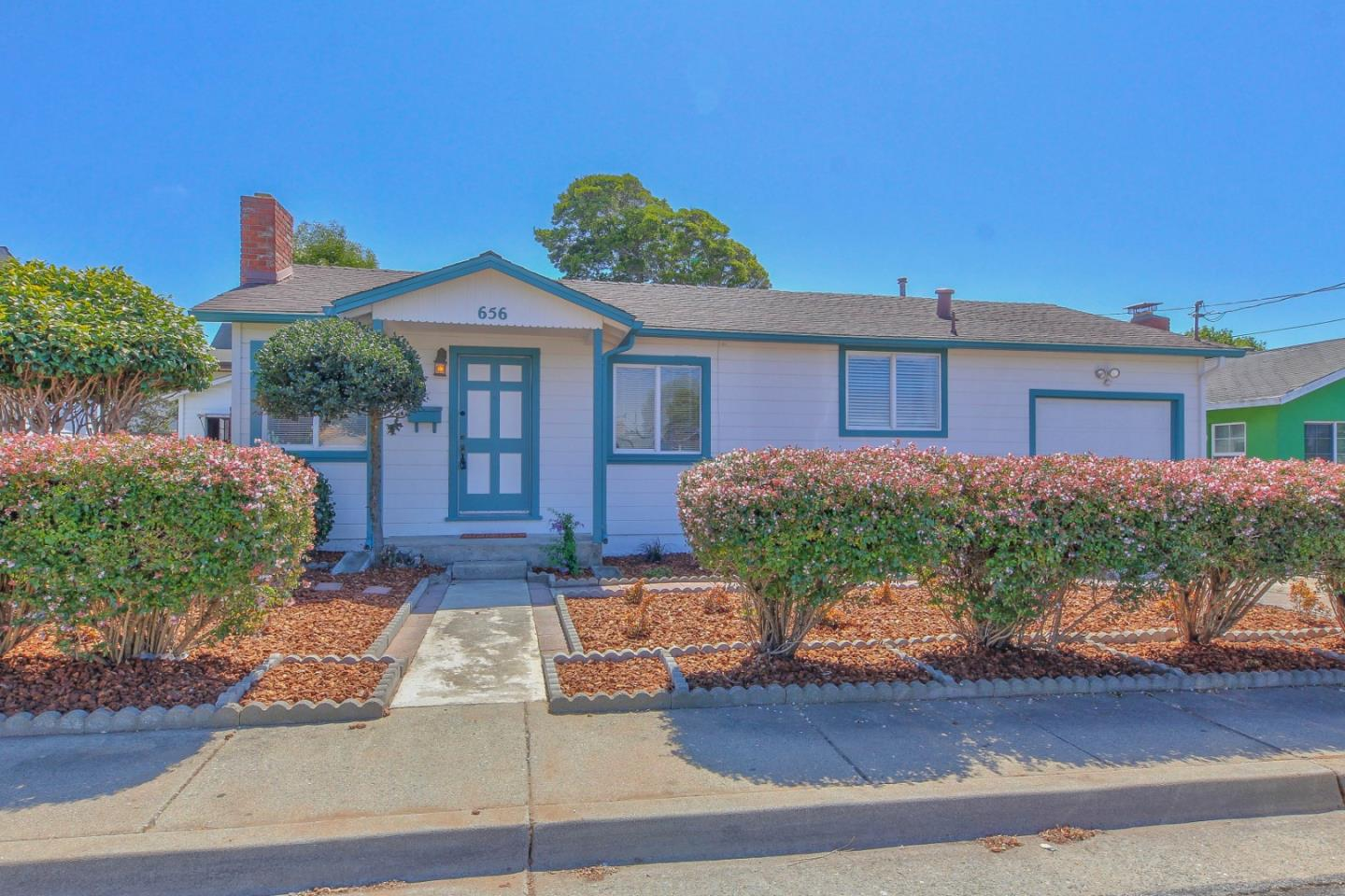 Detail Gallery Image 1 of 1 For 656 Lopez Ave, Seaside,  CA 93955 - 3 Beds | 1/1 Baths