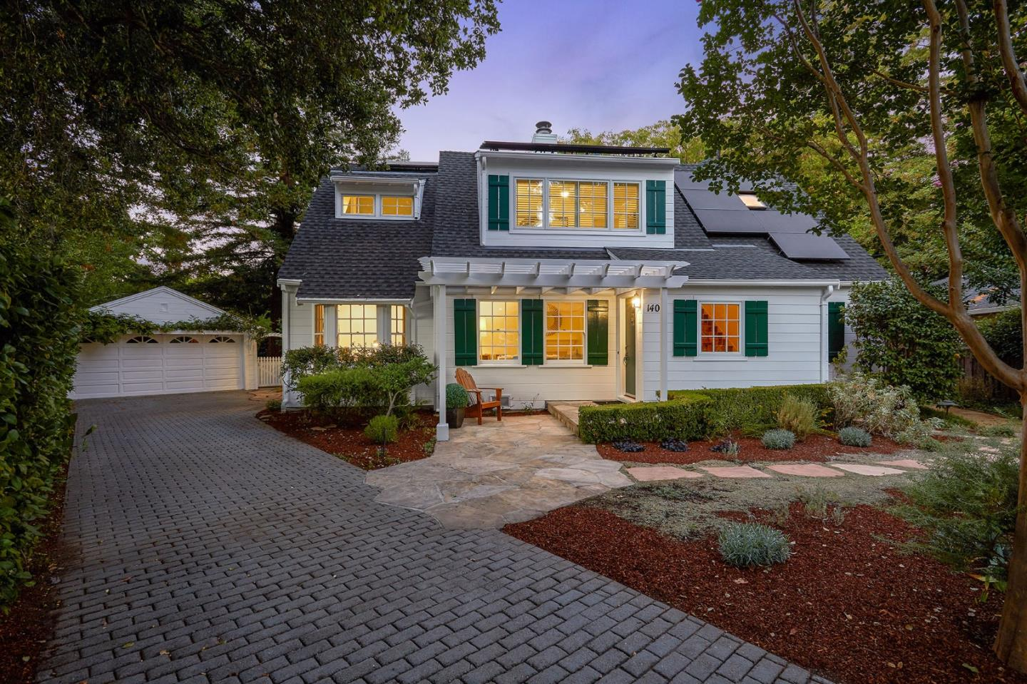 Detail Gallery Image 1 of 1 For 140 Brecon Ct, Redwood City,  CA 94062 - 5 Beds   3/1 Baths
