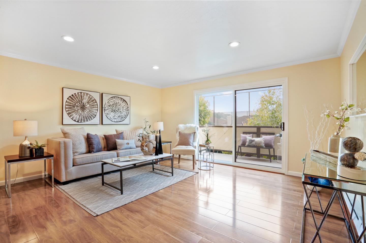 Detail Gallery Image 1 of 1 For 240 Willow Ave #622, South San Francisco, CA 94080 - 2 Beds | 1 Baths