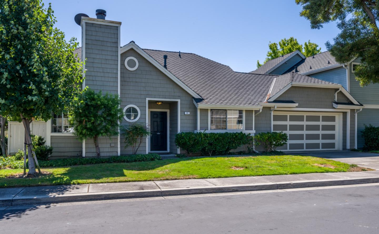 Detail Gallery Image 1 of 1 For 31 Williams Ln, Foster City, CA 94404 - 2 Beds | 2 Baths