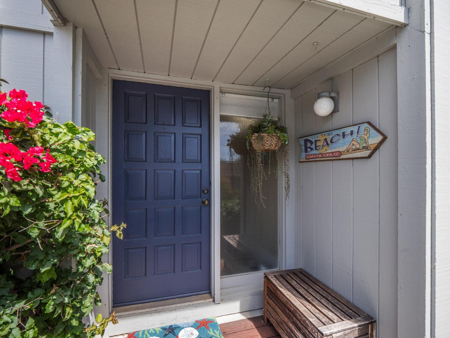 Detail Gallery Image 1 of 1 For 21177 E Cliff Dr, Santa Cruz, CA 95062 - 2 Beds | 1/1 Baths