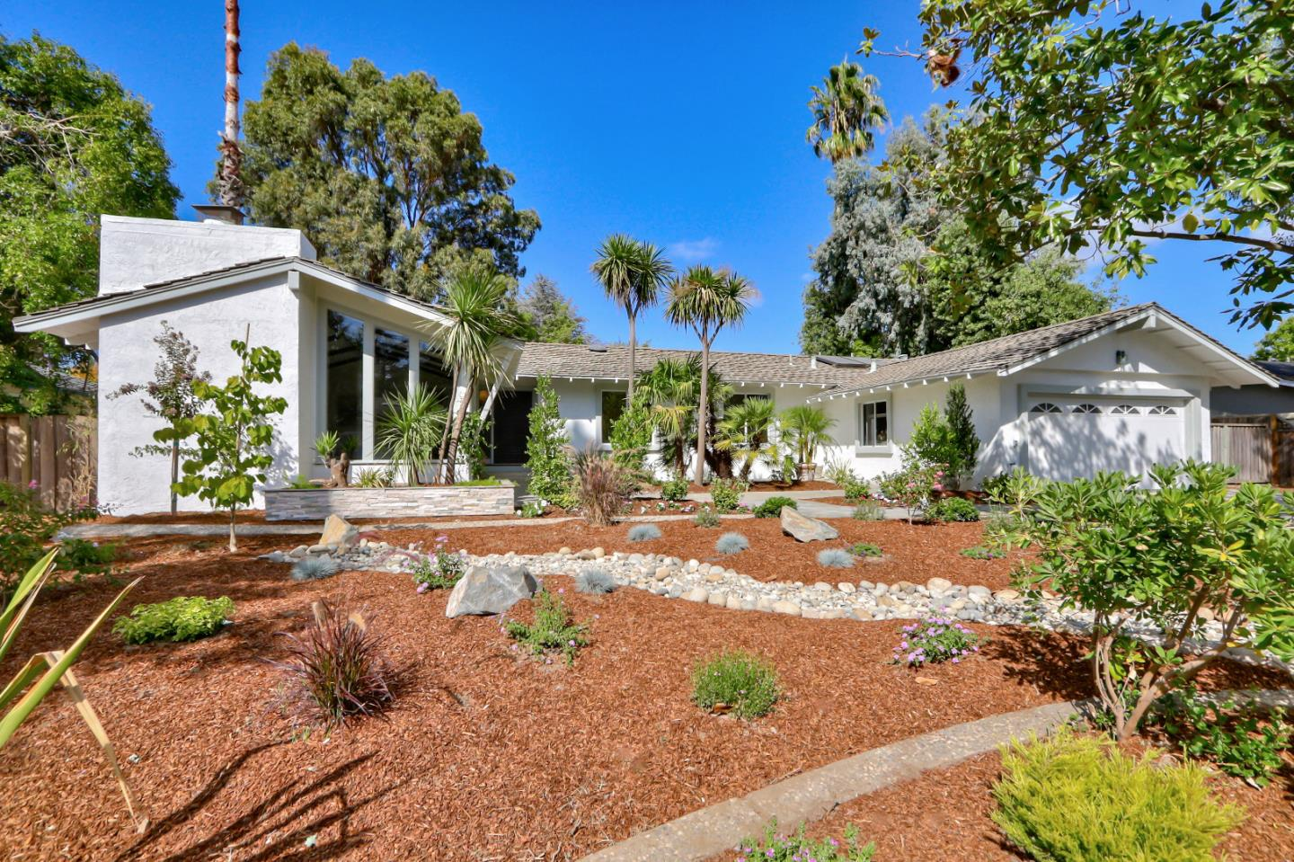 Detail Gallery Image 1 of 1 For 20219 Williamsburg Ln, Saratoga, CA 95070 - 5 Beds | 2 Baths
