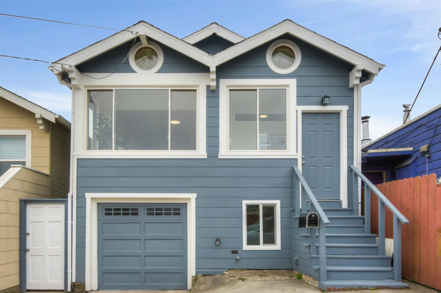 Newly renovated home with a total of 4 bedroom and 4 bath ( upper 3 bedroom and 2 bath with bonus sun room with a view, lower  family room 1 bedroom and 2 baths with bonus room ). Easy access to all transportation and exits. Walking distance to Bart's Station, near to the school , grocery store and restaurants.