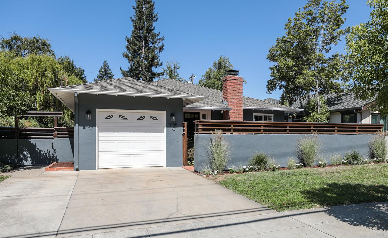 Detail Gallery Image 1 of 1 For 1055 Embarcadero Rd, Palo Alto, CA 94303 - 3 Beds | 2 Baths
