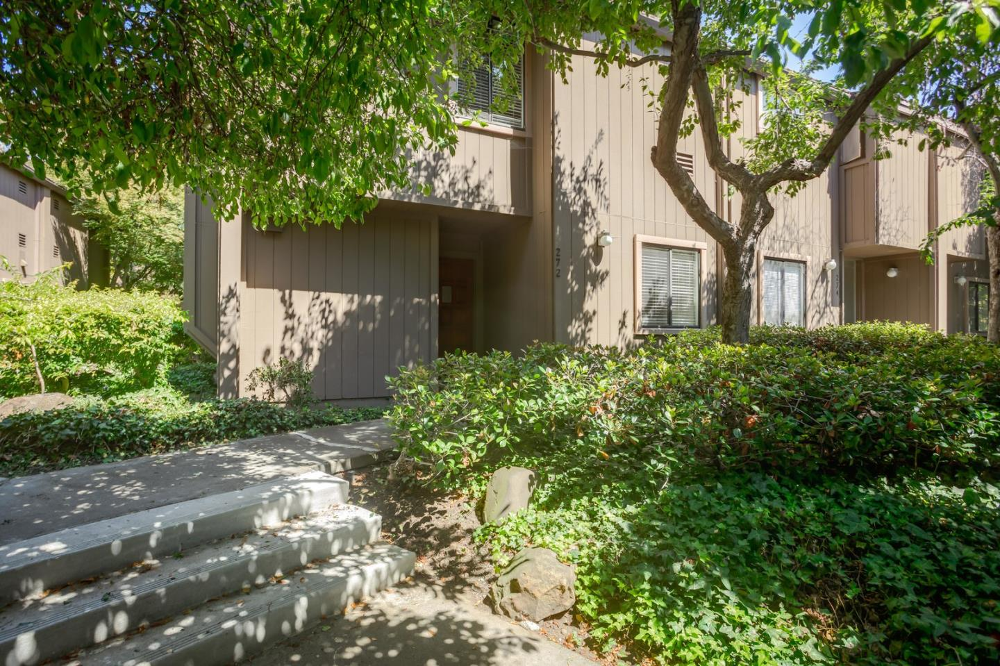 Detail Gallery Image 1 of 1 For 272 Andsbury Ave, Mountain View, CA 94043 - 3 Beds   2 Baths
