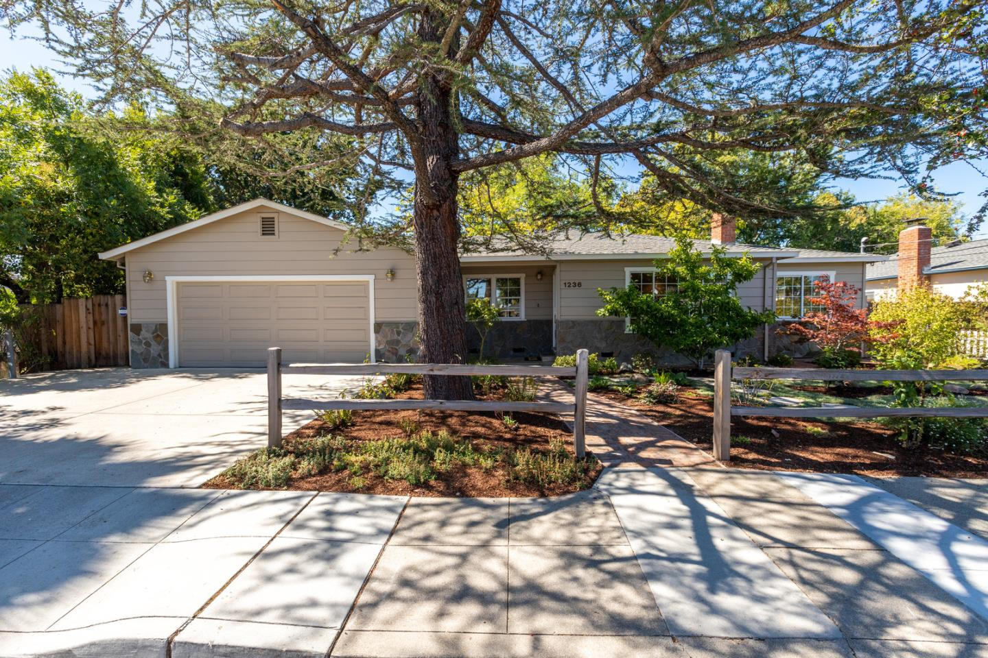 Detail Gallery Image 1 of 1 For 1236 Ruby St, Redwood City, CA 94061 - 3 Beds | 2 Baths