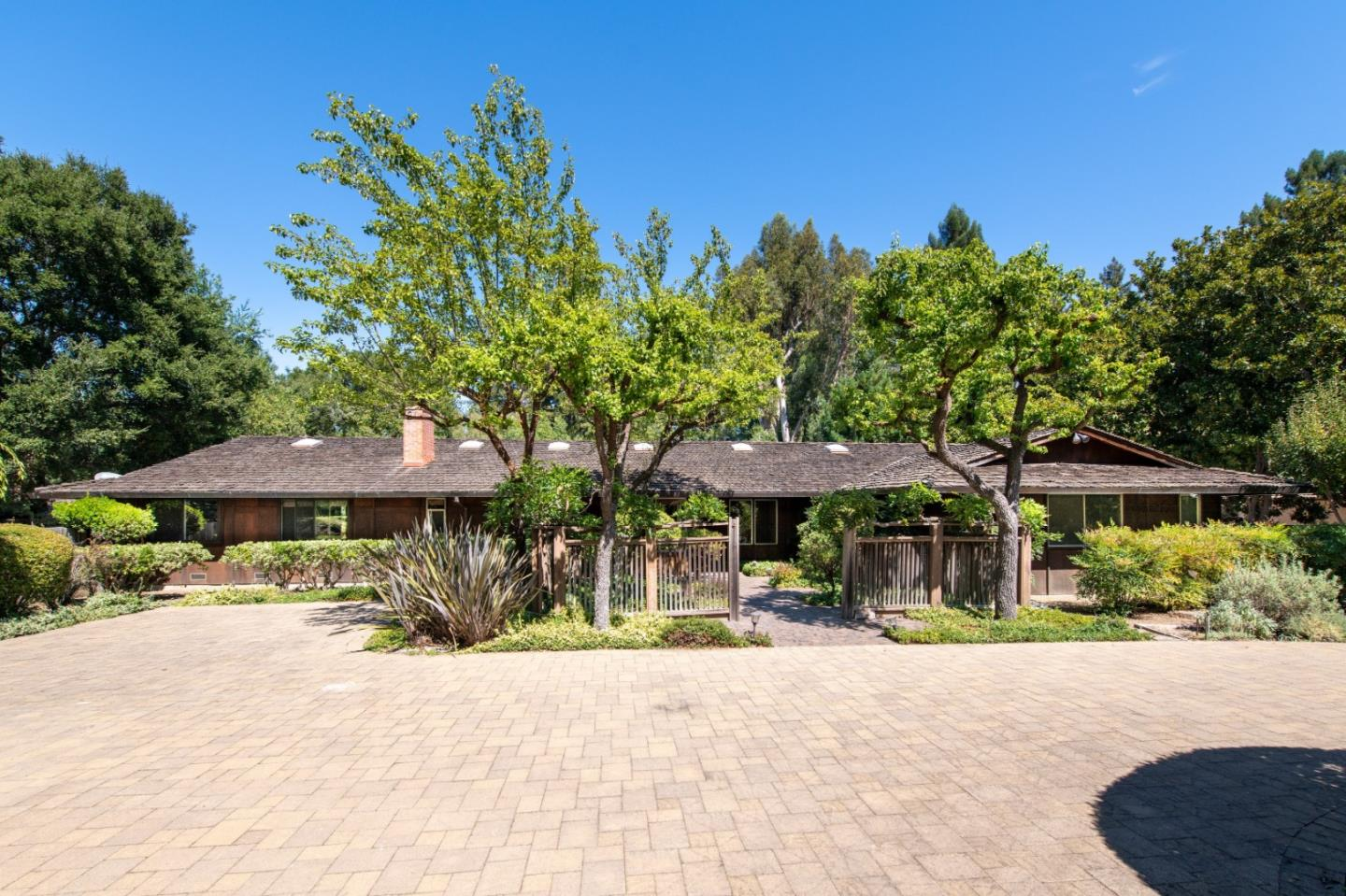 Detail Gallery Image 1 of 1 For 321 Grove Dr, Portola Valley, CA 94028 - 4 Beds | 2/1 Baths