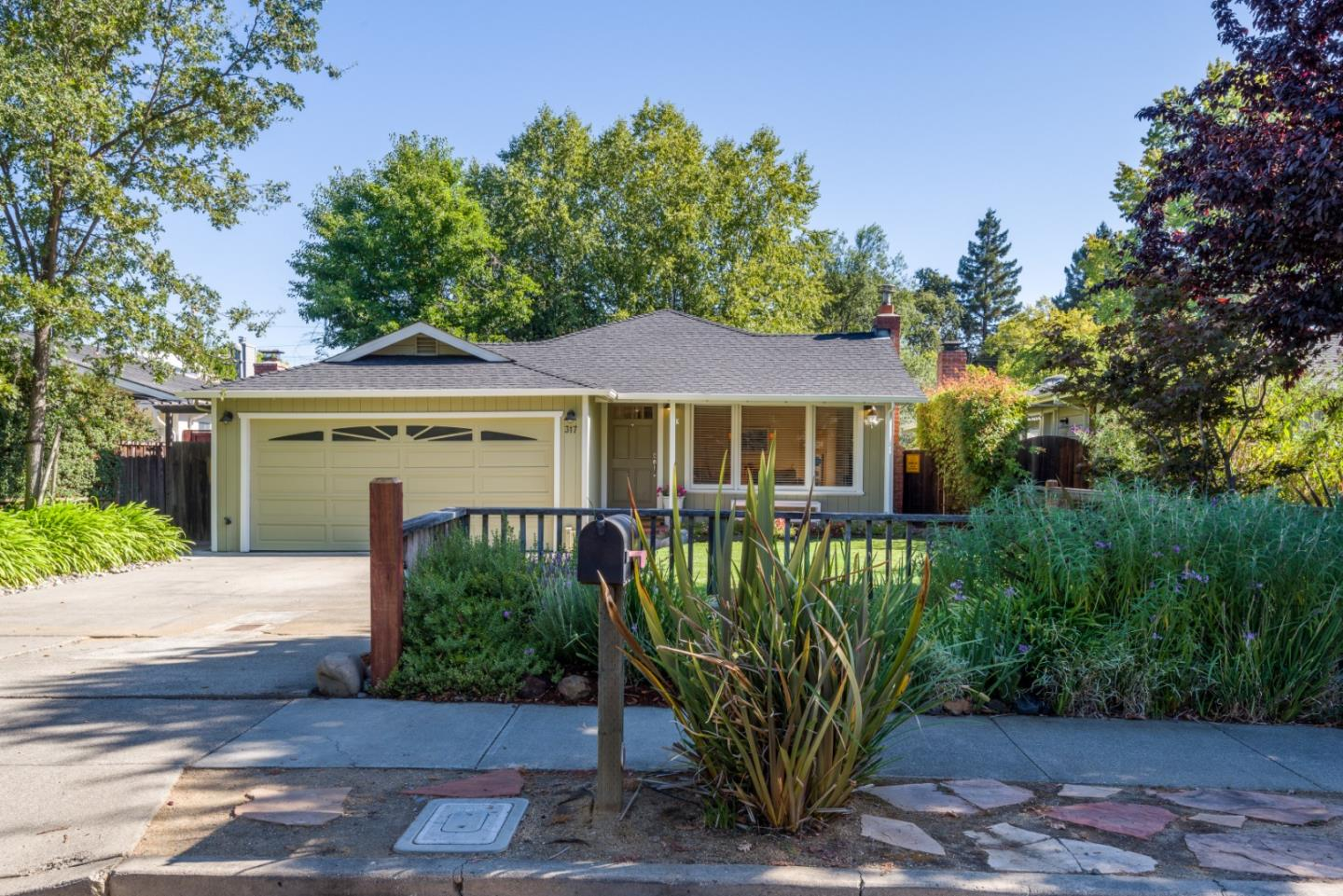 Detail Gallery Image 1 of 1 For 317 Rutherford Ave, Redwood City, CA 94061 - 3 Beds   1/1 Baths