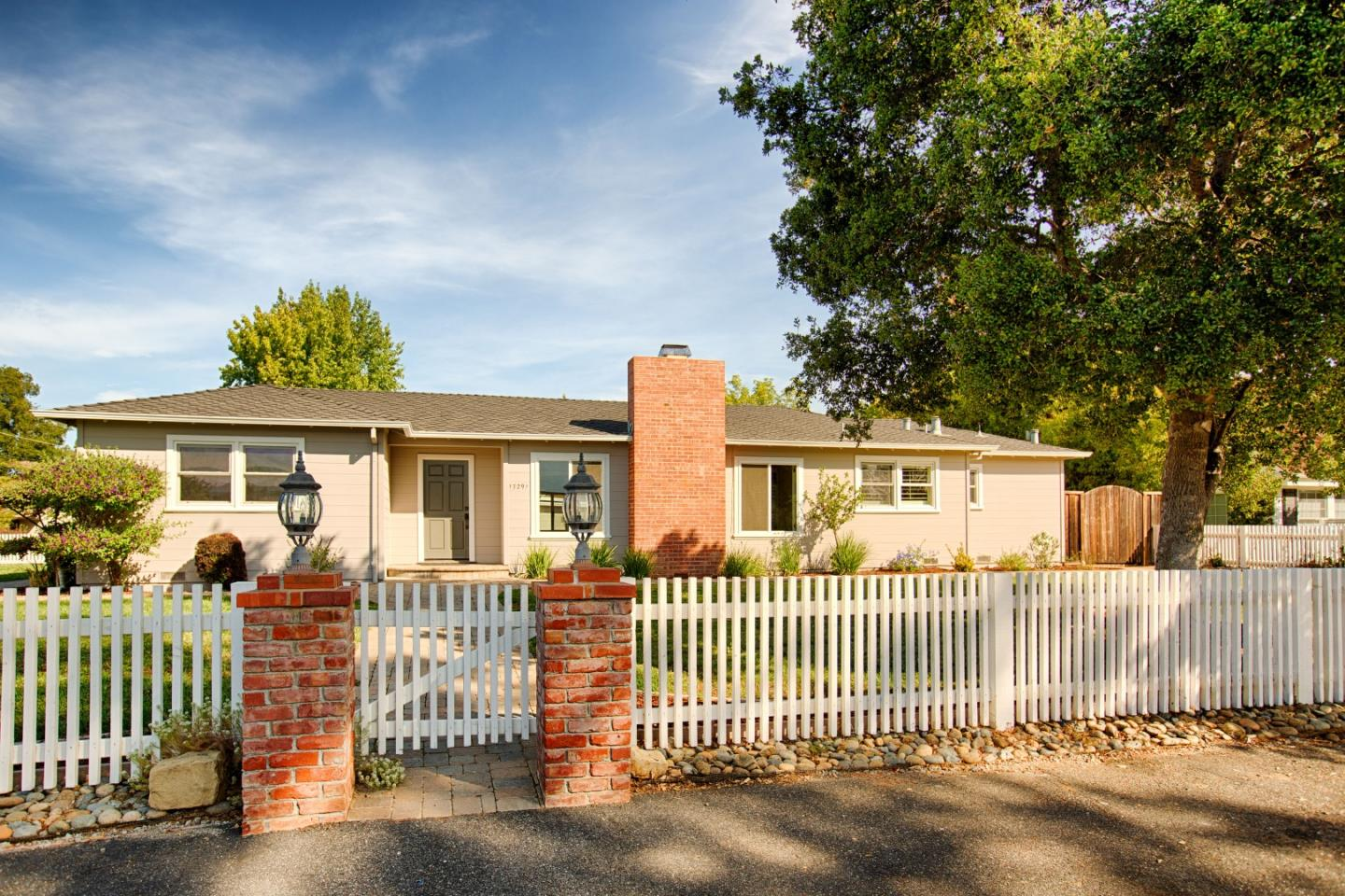Detail Gallery Image 1 of 1 For 17291 Zena Ave, Monte Sereno, CA 95030 - 4 Beds | 2 Baths