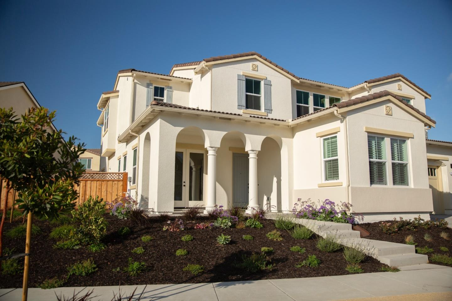 Detail Gallery Image 1 of 17 For Bluffs Dr, Marina, CA 93933 - 4 Beds   3/1 Baths