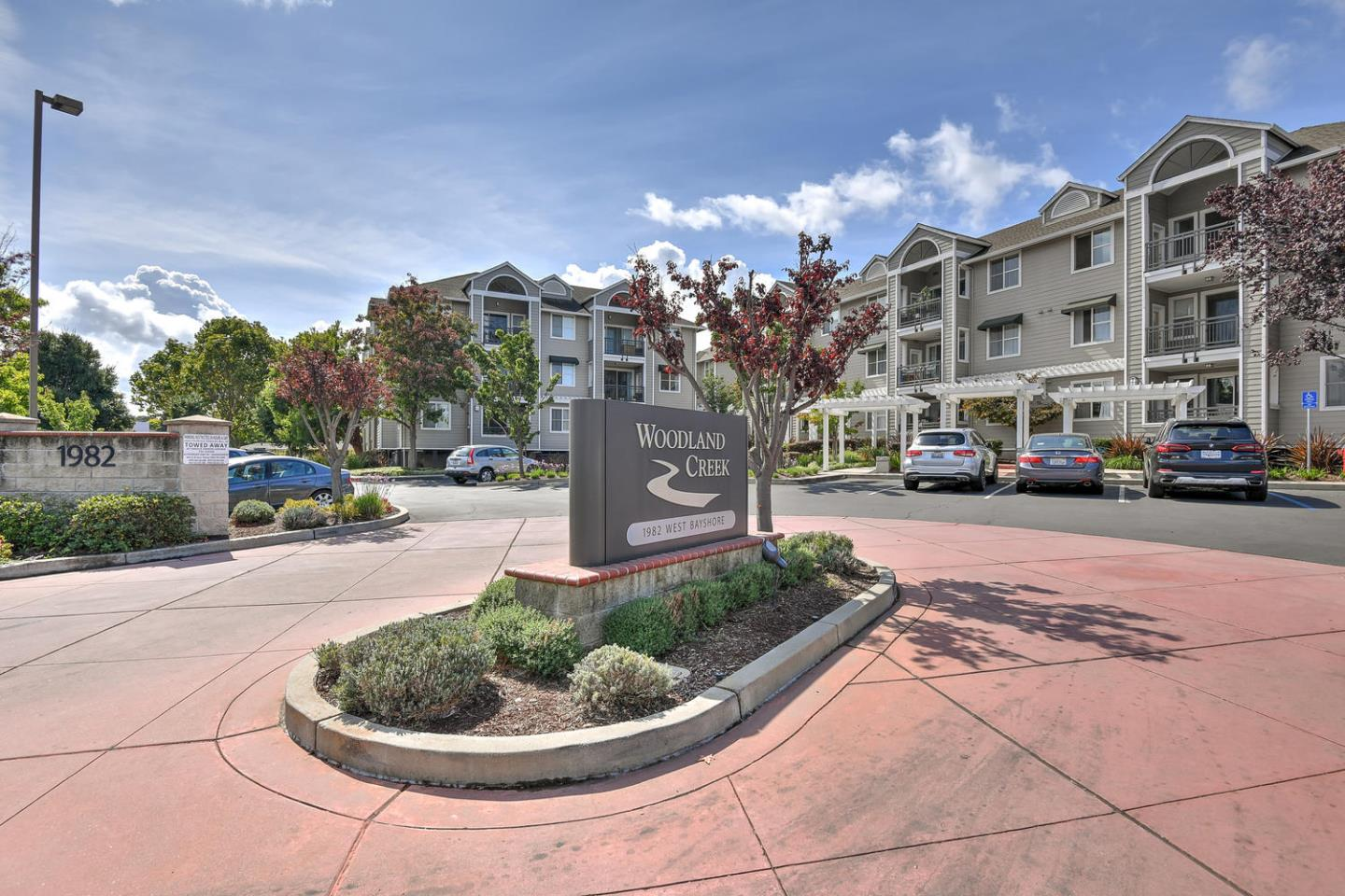 Detail Gallery Image 1 of 26 For 1982 W Bayshore Rd #333, East Palo Alto, CA 94303 - 1 Beds | 1 Baths