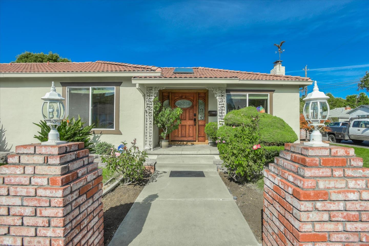Detail Gallery Image 1 of 1 For 127 Cypress St, Redwood City, CA 94061 - 3 Beds | 2 Baths