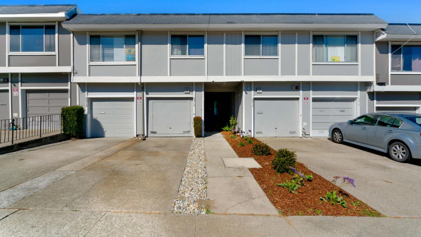 Detail Gallery Image 1 of 19 For 2313 Galway Dr, South San Francisco, CA 94080 - 3 Beds | 1/1 Baths
