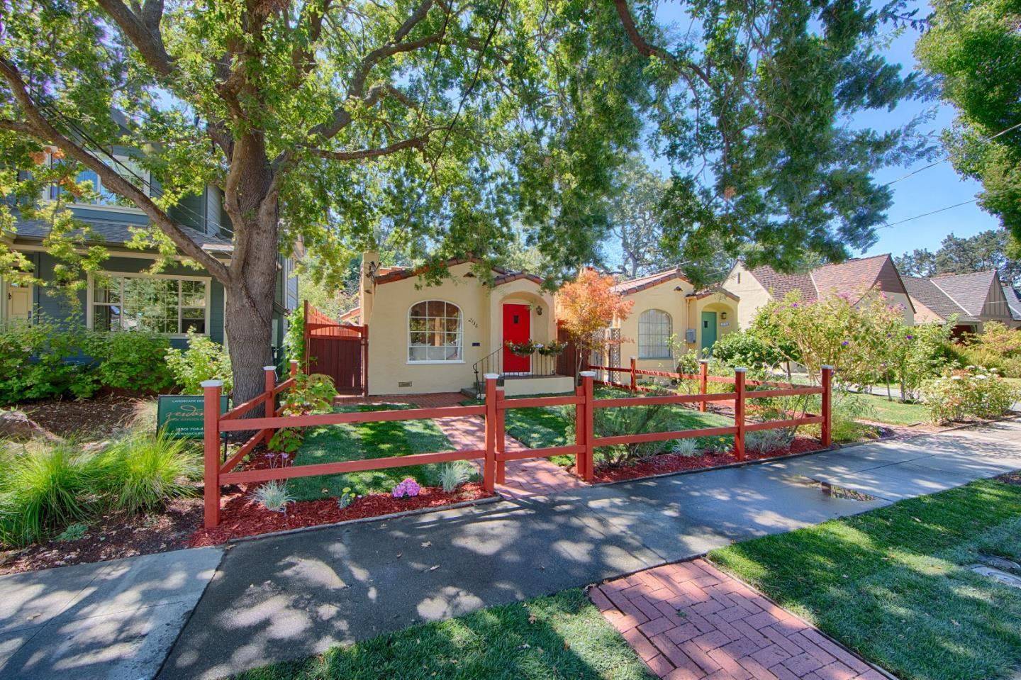 Detail Gallery Image 1 of 32 For 2136 Bowdoin St, Palo Alto, CA 94306 - 1 Beds   1 Baths