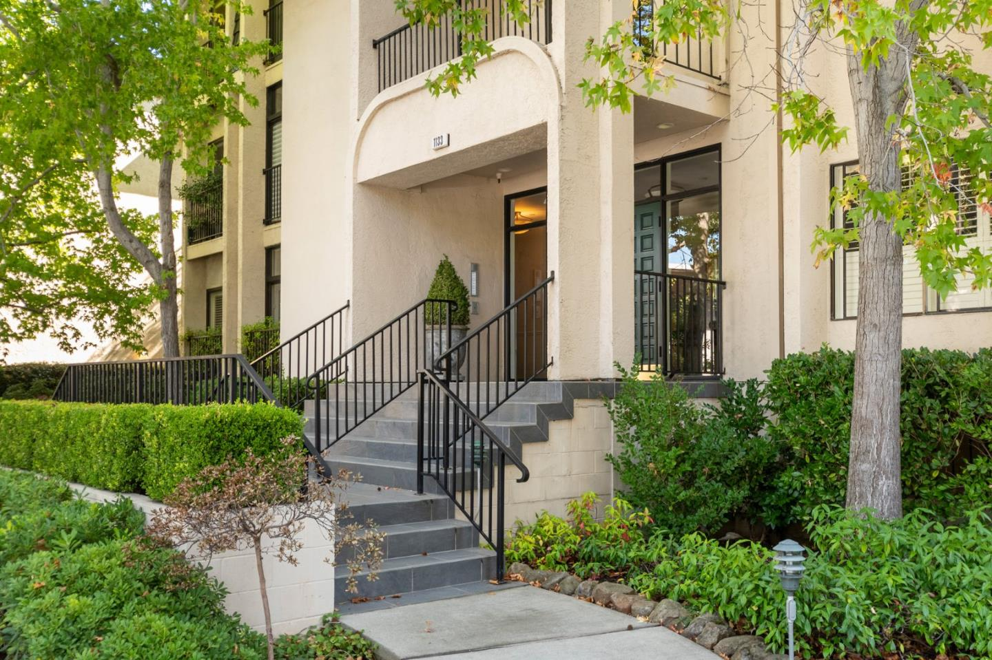 Detail Gallery Image 1 of 1 For 1133 Douglas Ave #202, Burlingame, CA 94010 - 2 Beds | 2 Baths