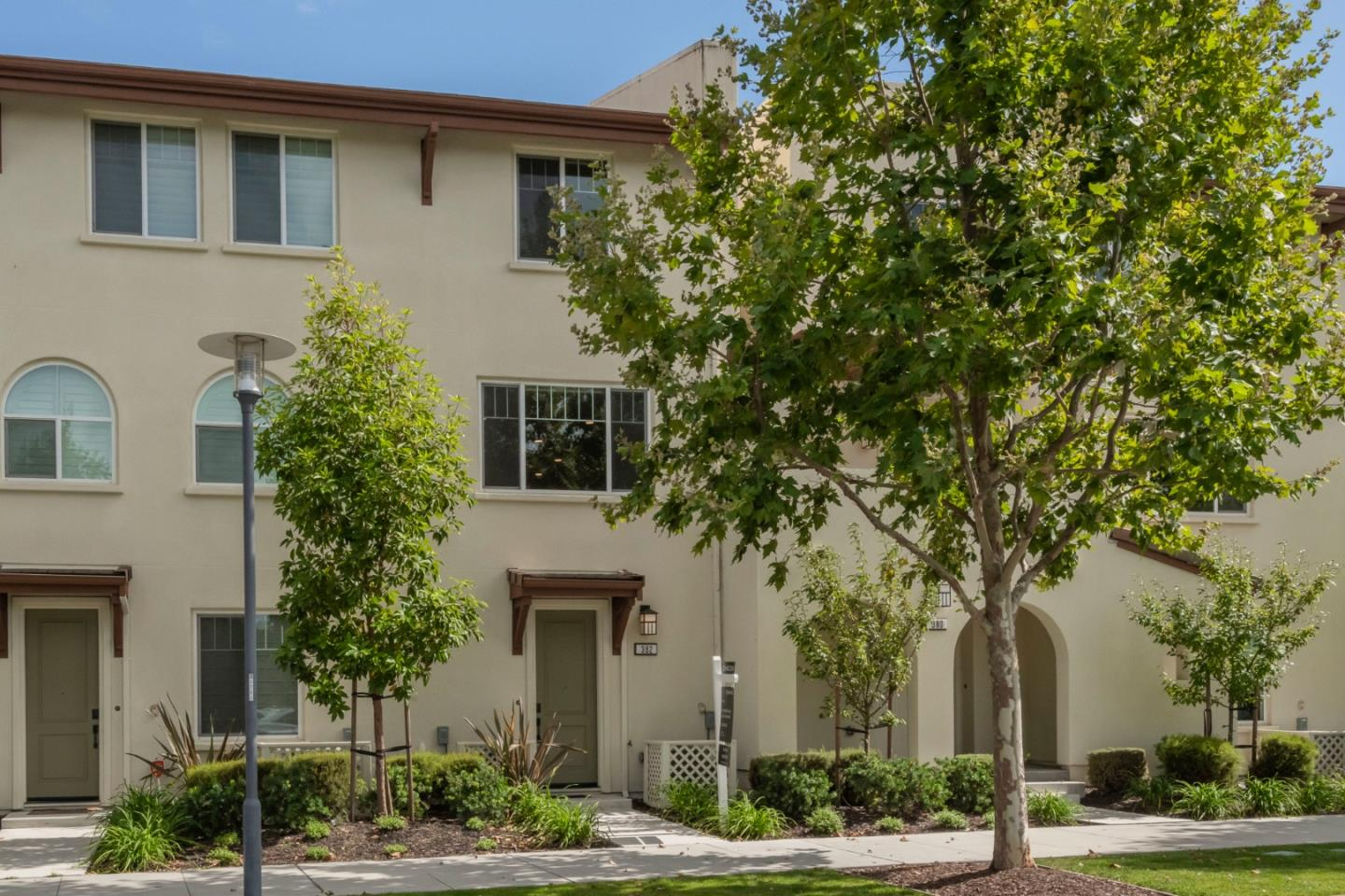 Detail Gallery Image 1 of 16 For 382 E 28th Ave, San Mateo, CA 94403 - 2 Beds | 2/1 Baths