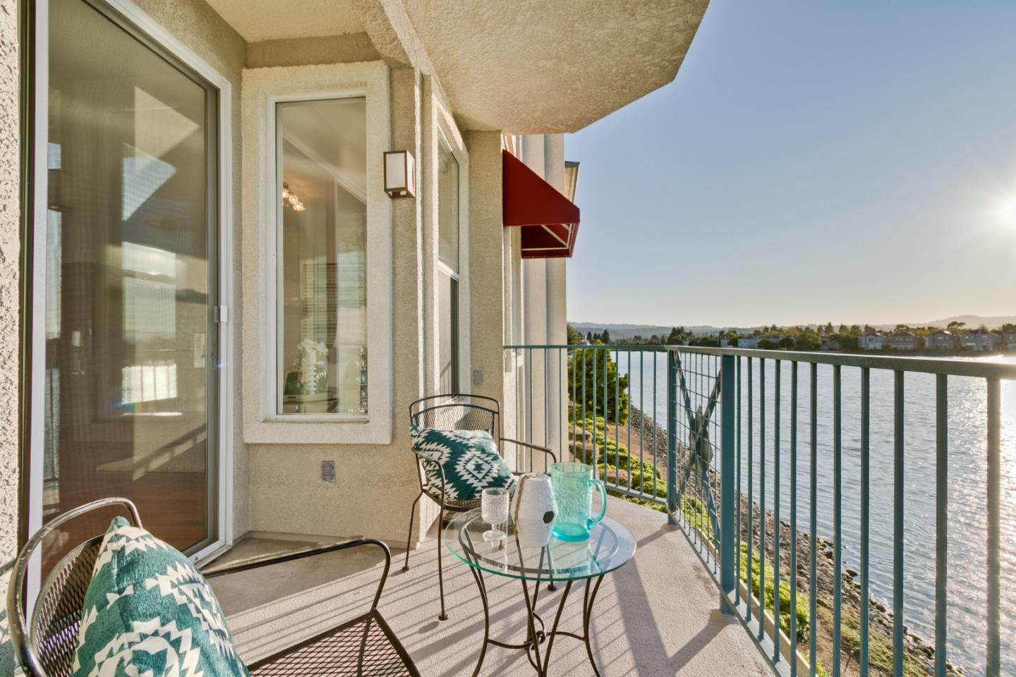 Detail Gallery Image 1 of 44 For 400 Baltic Cir #426, Redwood City, CA 94065 - 2 Beds | 2 Baths