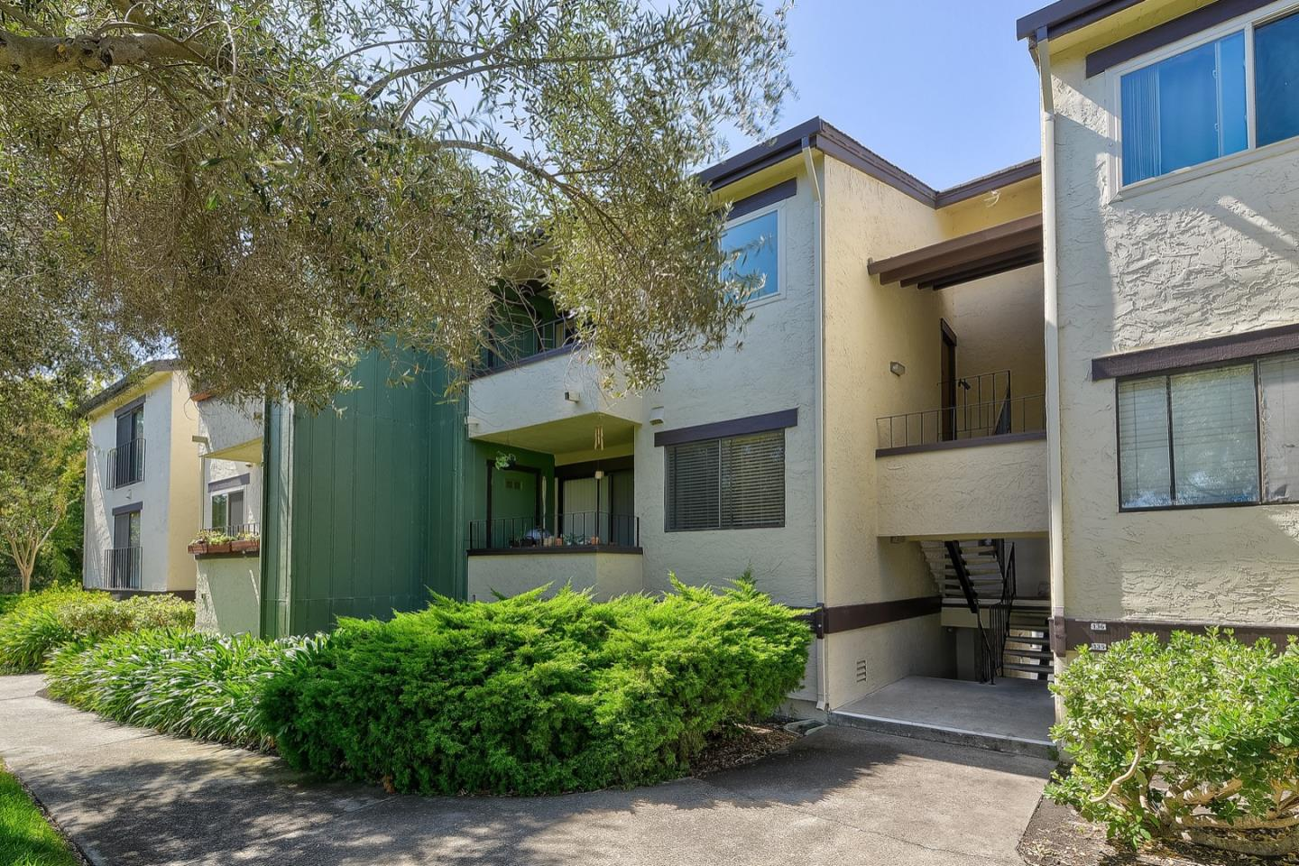 Detail Gallery Image 1 of 18 For 777 San Antonio Rd #134, Palo Alto, CA 94303 - 2 Beds | 1 Baths
