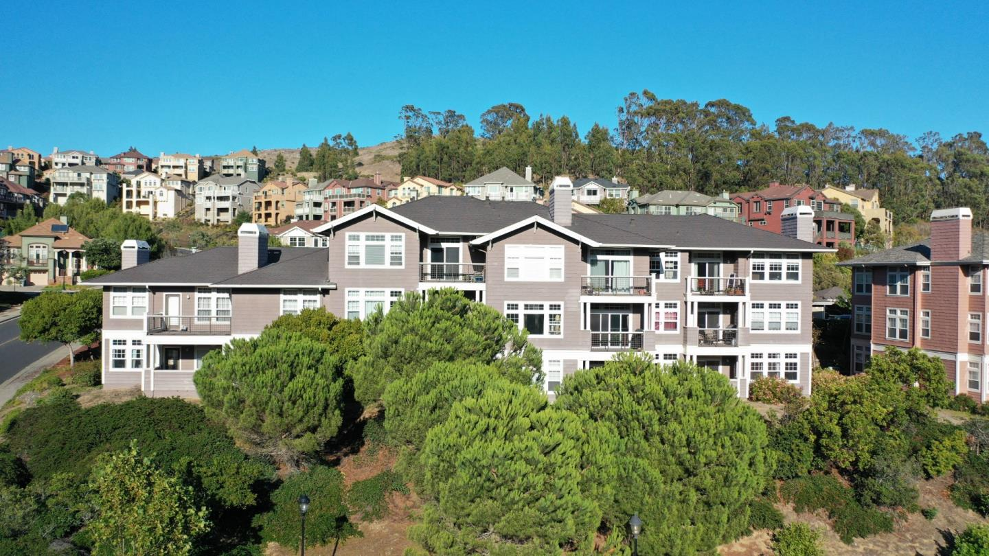 Detail Gallery Image 1 of 18 For 622 Callippe Ct, Brisbane, CA 94005 - 2 Beds | 2 Baths