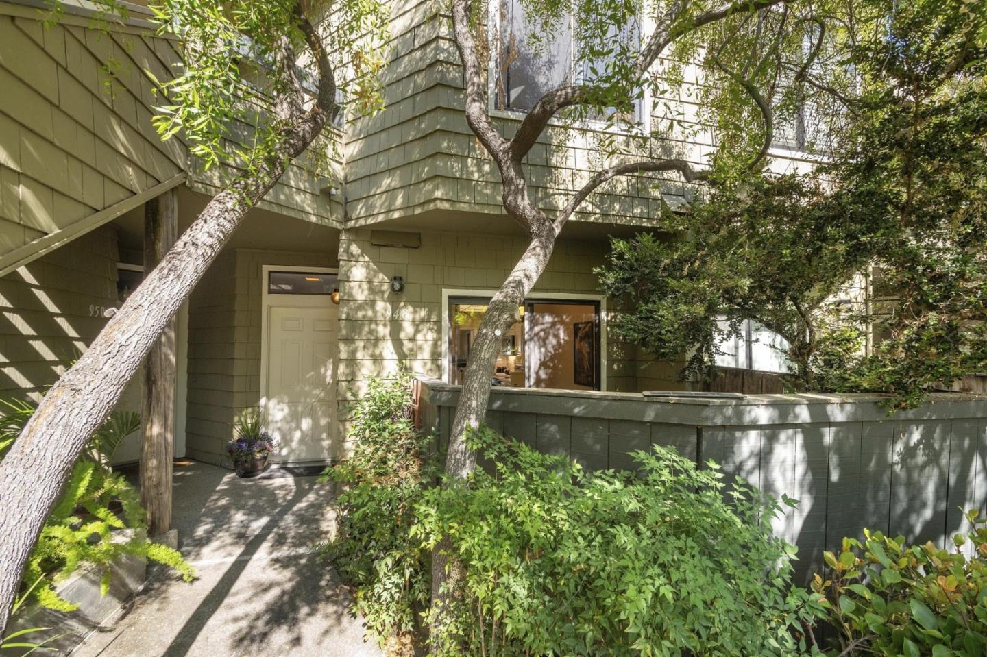 Detail Gallery Image 1 of 1 For 948 Shoreline Dr, San Mateo, CA 94404 - 2 Beds | 2/1 Baths