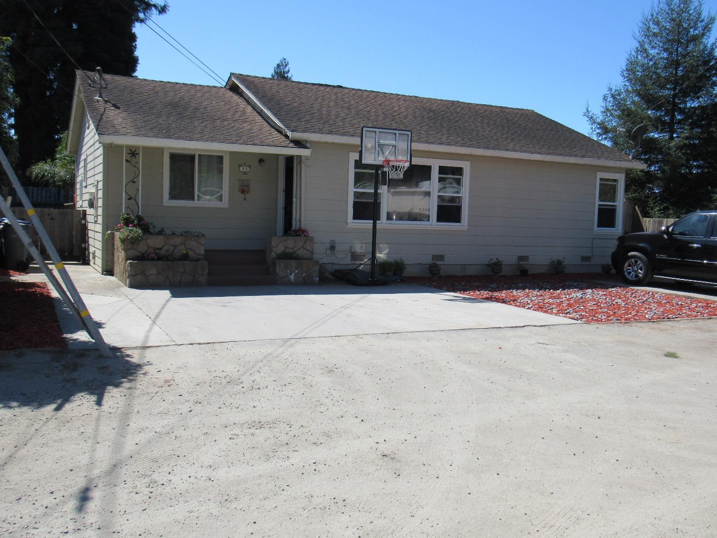 College road area! spacious 4 bedroom, 2 bath single level located at the end of private road. Back side of house has lots of glass where the dining room and living room are located. Kitchen has oak cabinets with granite counter tops and large dining room. Vaulted ceiling in living room, Hall bath was remodeled approx 5 years ago with tiled stall shower, tile flooring and large vanity. Come see today!