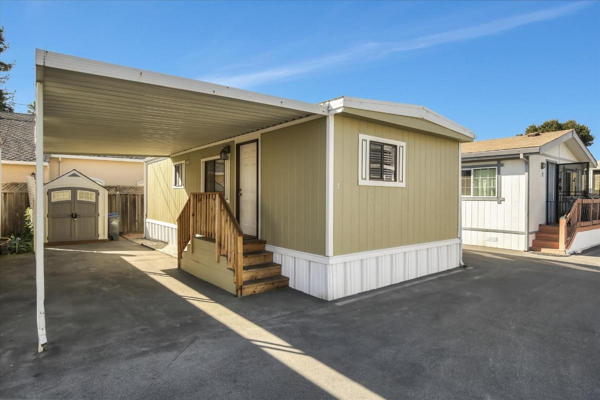 Detail Gallery Image 1 of 1 For 1625 Brommer #7 St #7, Santa Cruz, CA 95061 - 1 Beds | 1 Baths