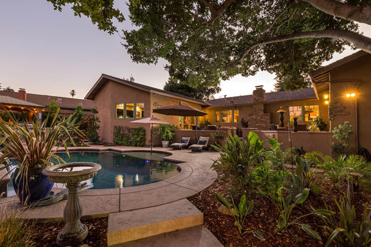 Detail Gallery Image 1 of 24 For 10536 Ainsworth Dr, Los Altos, CA 94024 - 3 Beds | 2/1 Baths