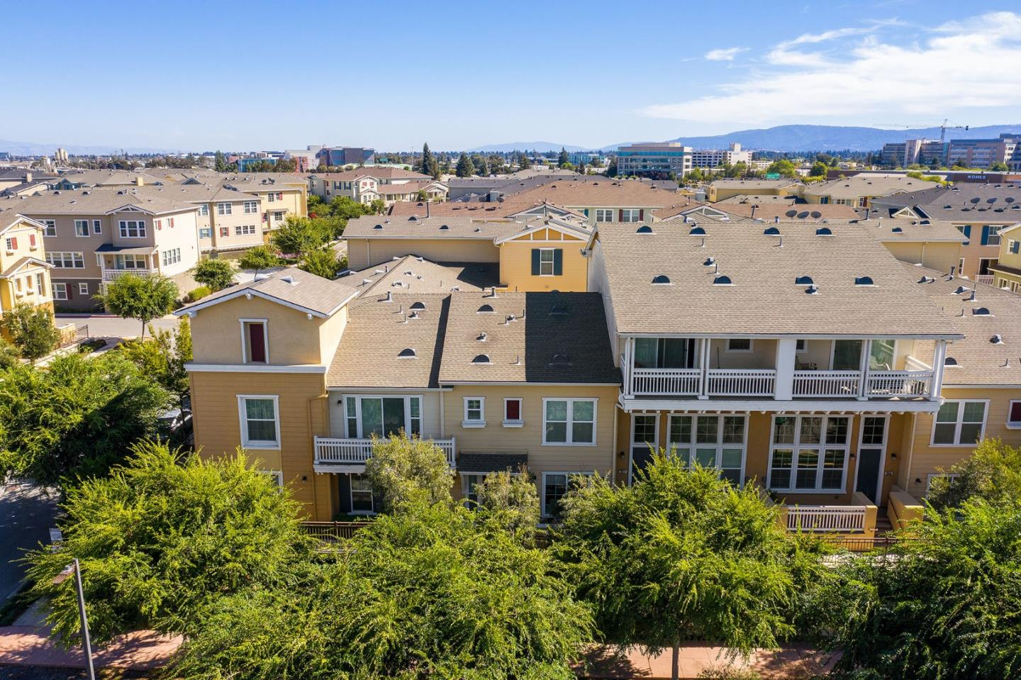 Detail Gallery Image 1 of 1 For 636 Bair Island Rd #306, Redwood City, CA 94063 - 3 Beds | 2/1 Baths