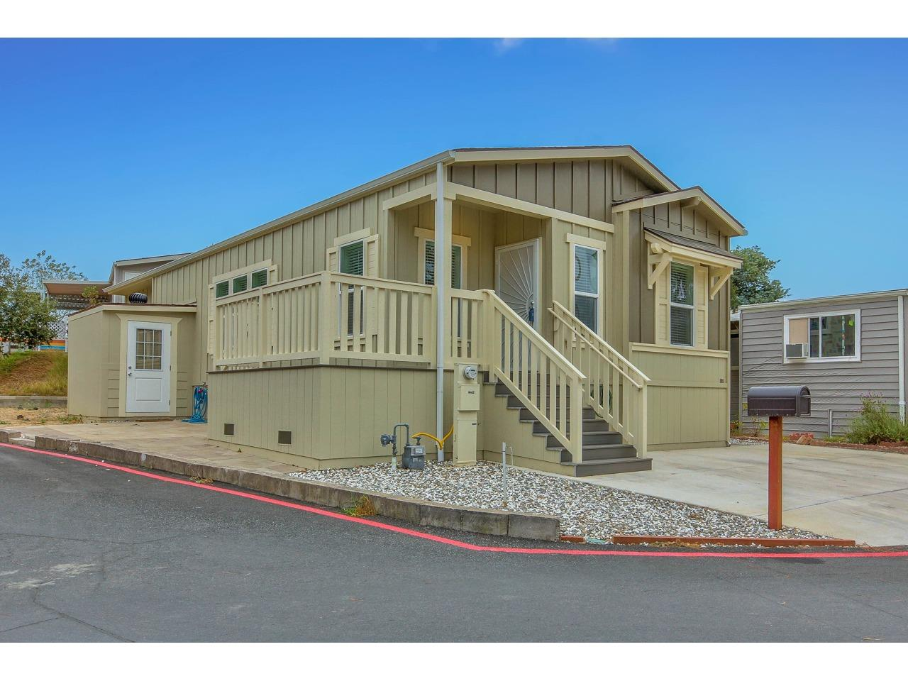 Detail Gallery Image 1 of 1 For 17779 Vierra Canyon Rd #24,  Salinas,  CA 93907 - 3 Beds | 2 Baths