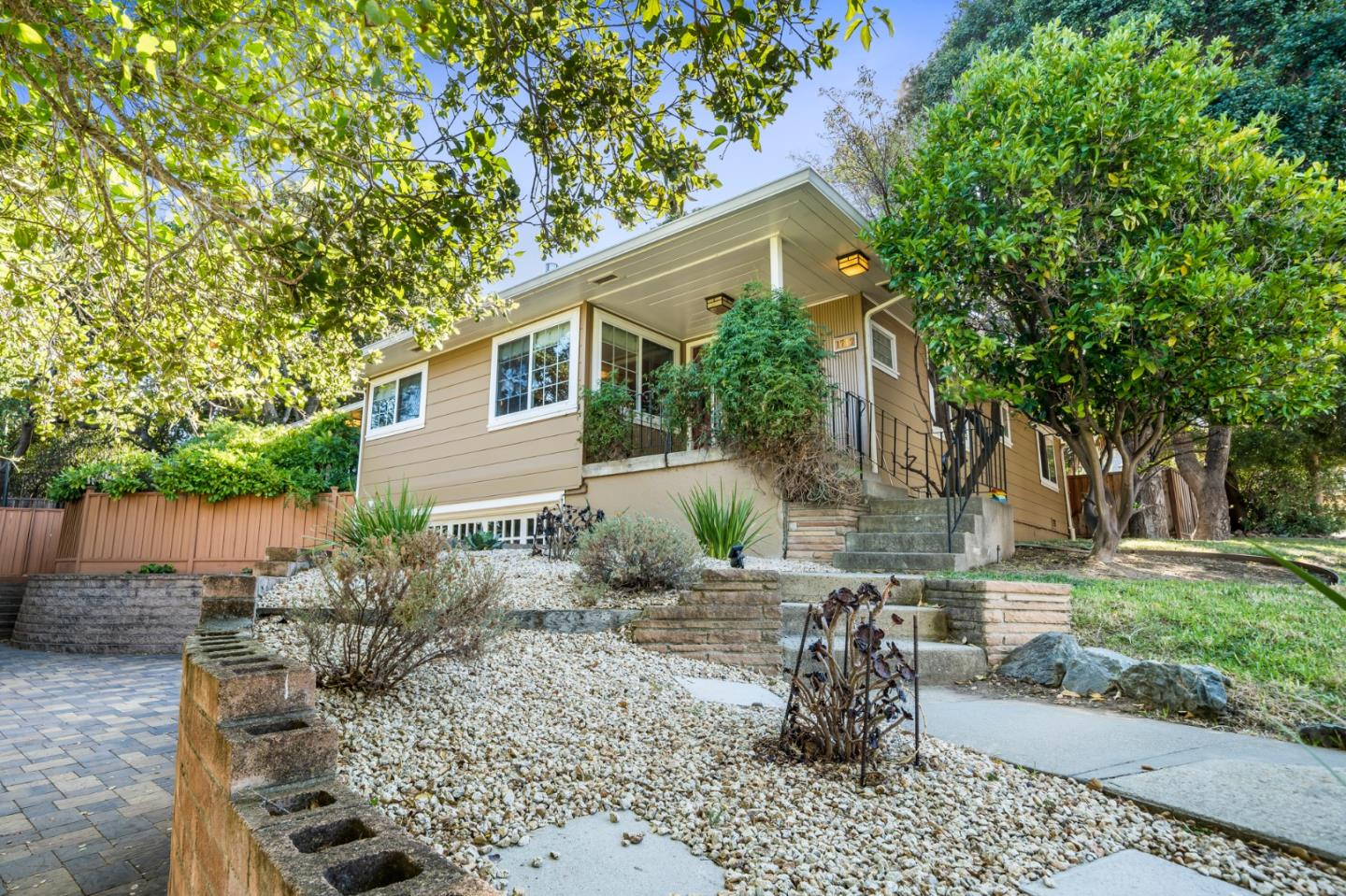 Detail Gallery Image 1 of 1 For 1712 Pine Knoll Dr, Belmont,  CA 94002 - 3 Beds | 2 Baths