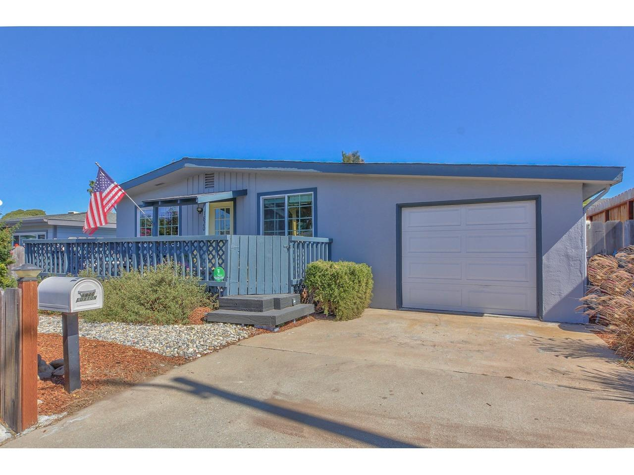 Detail Gallery Image 1 of 1 For 1820 Luxton St, Seaside,  CA 93955 - 3 Beds   1 Baths