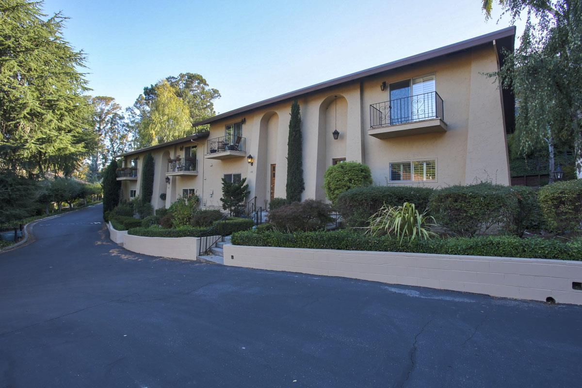 Detail Gallery Image 1 of 1 For 18400 Overlook Rd #54, Los Gatos, CA 95030 - 3 Beds | 2/1 Baths