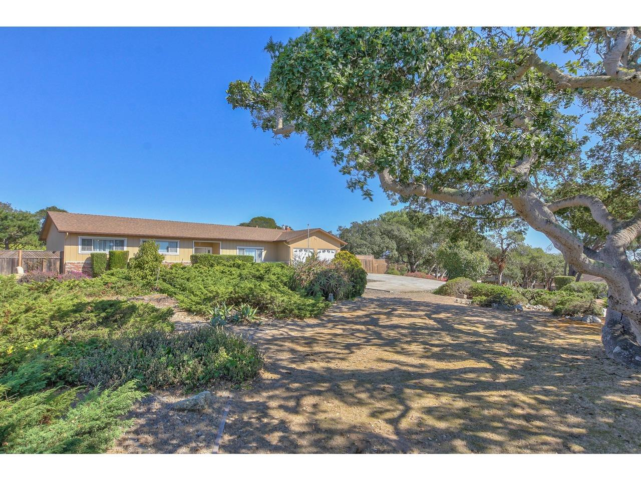 Detail Gallery Image 1 of 1 For 15279 Century Oak Rd, Salinas,  CA 93907 - 3 Beds | 2 Baths