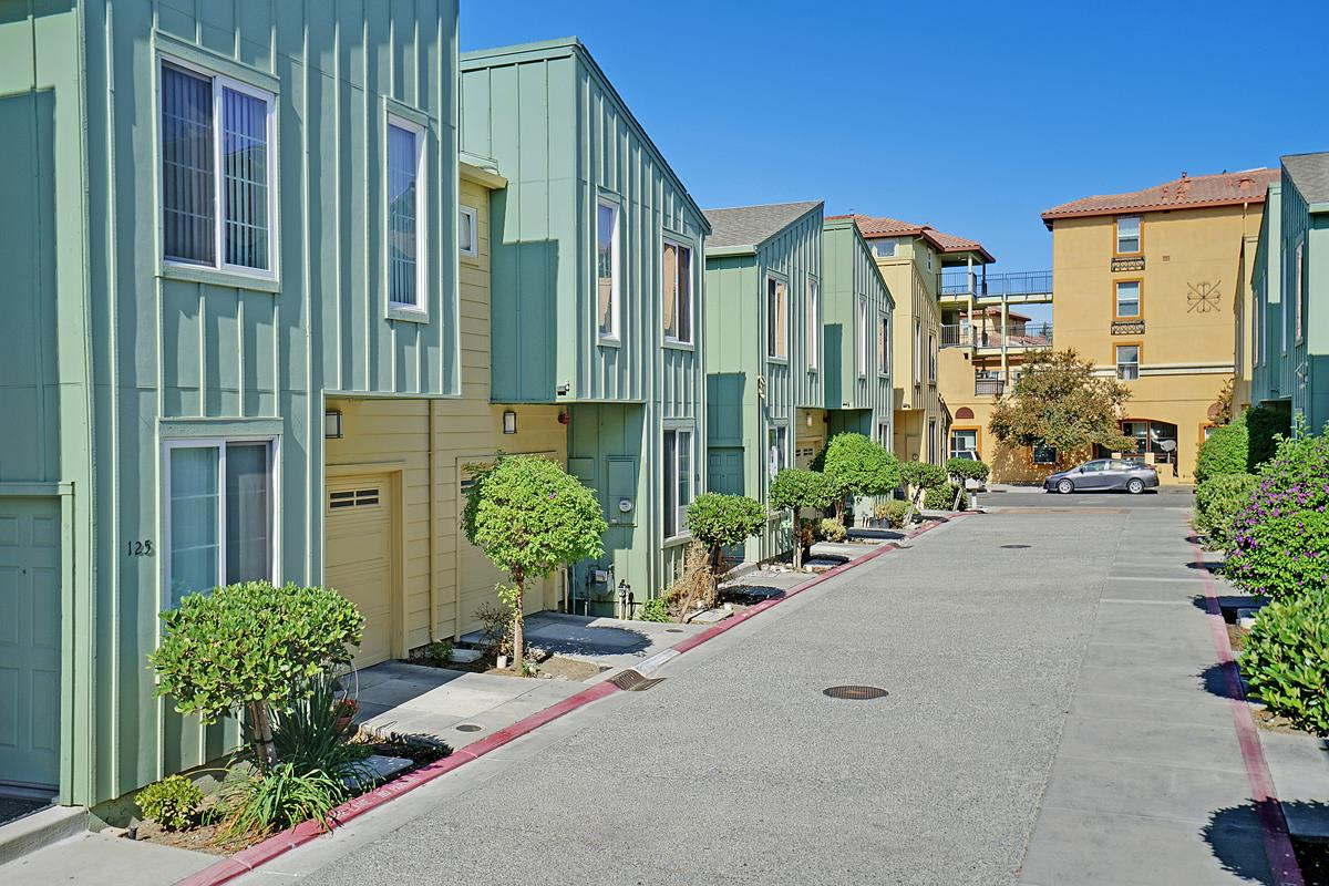 118 Bob Hansen Court San Jose, CA 95116