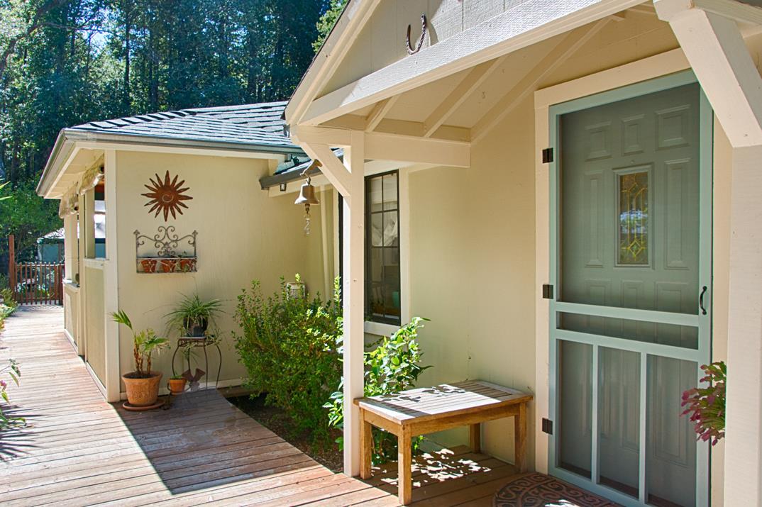 Detail Gallery Image 1 of 1 For 211 Sunlit Ln, Santa Cruz, CA 95060 - 2 Beds | 1 Baths