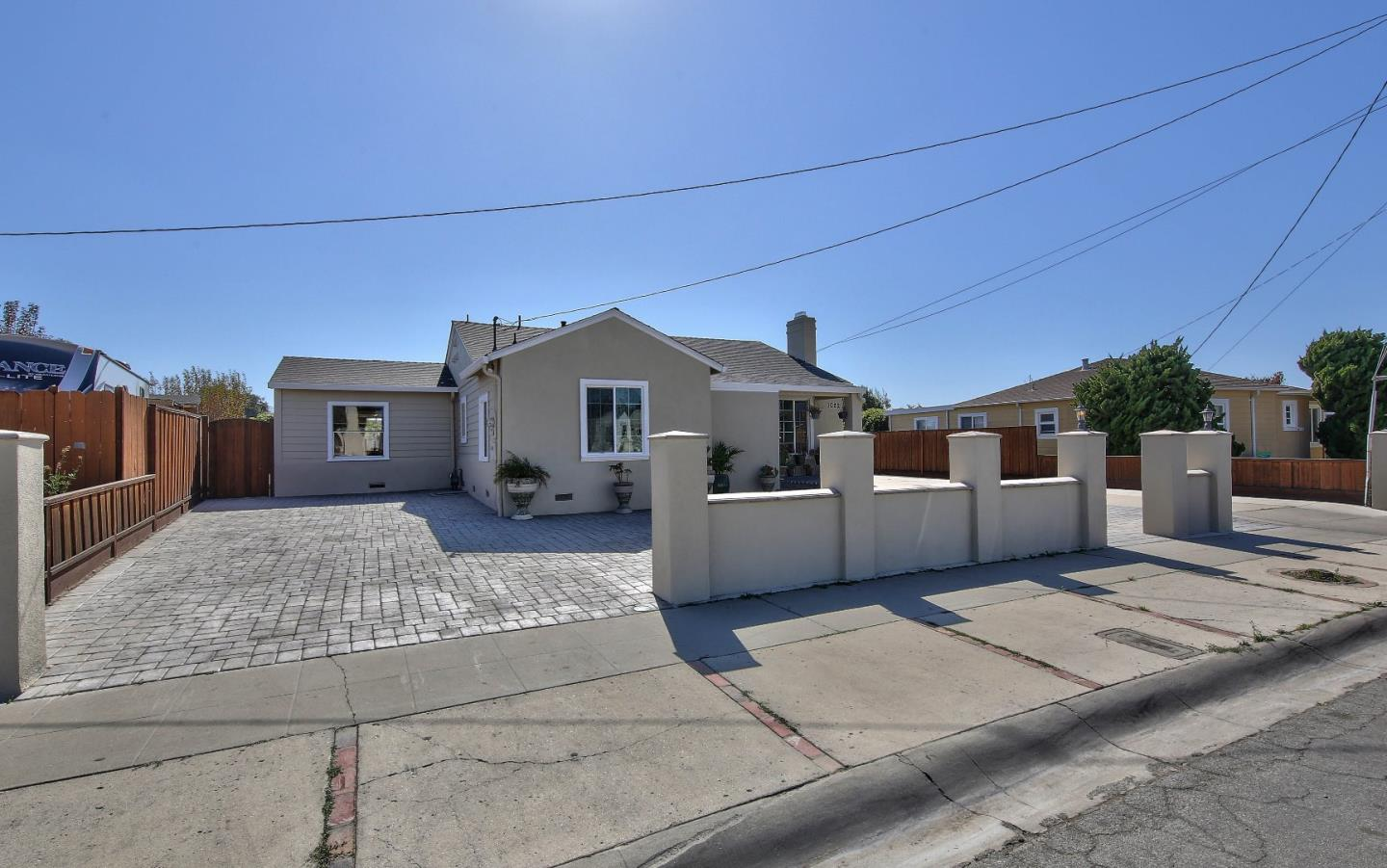 Photo for 1022 Circle Drive