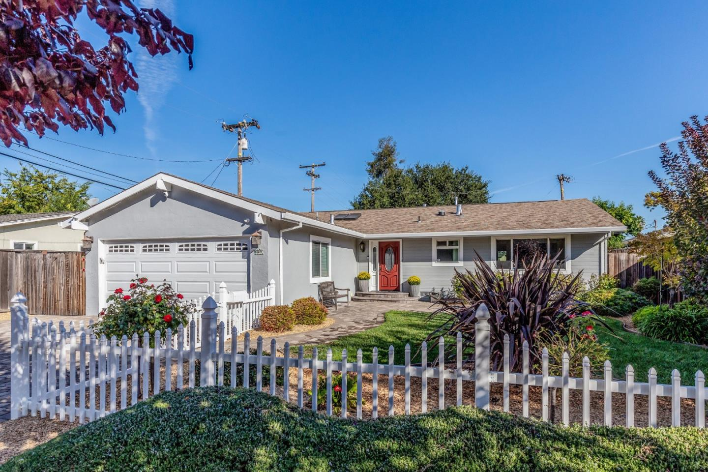 Detail Gallery Image 1 of 19 For 3977 Yellowstone Dr, San Jose, CA 95130 - 3 Beds | 2 Baths