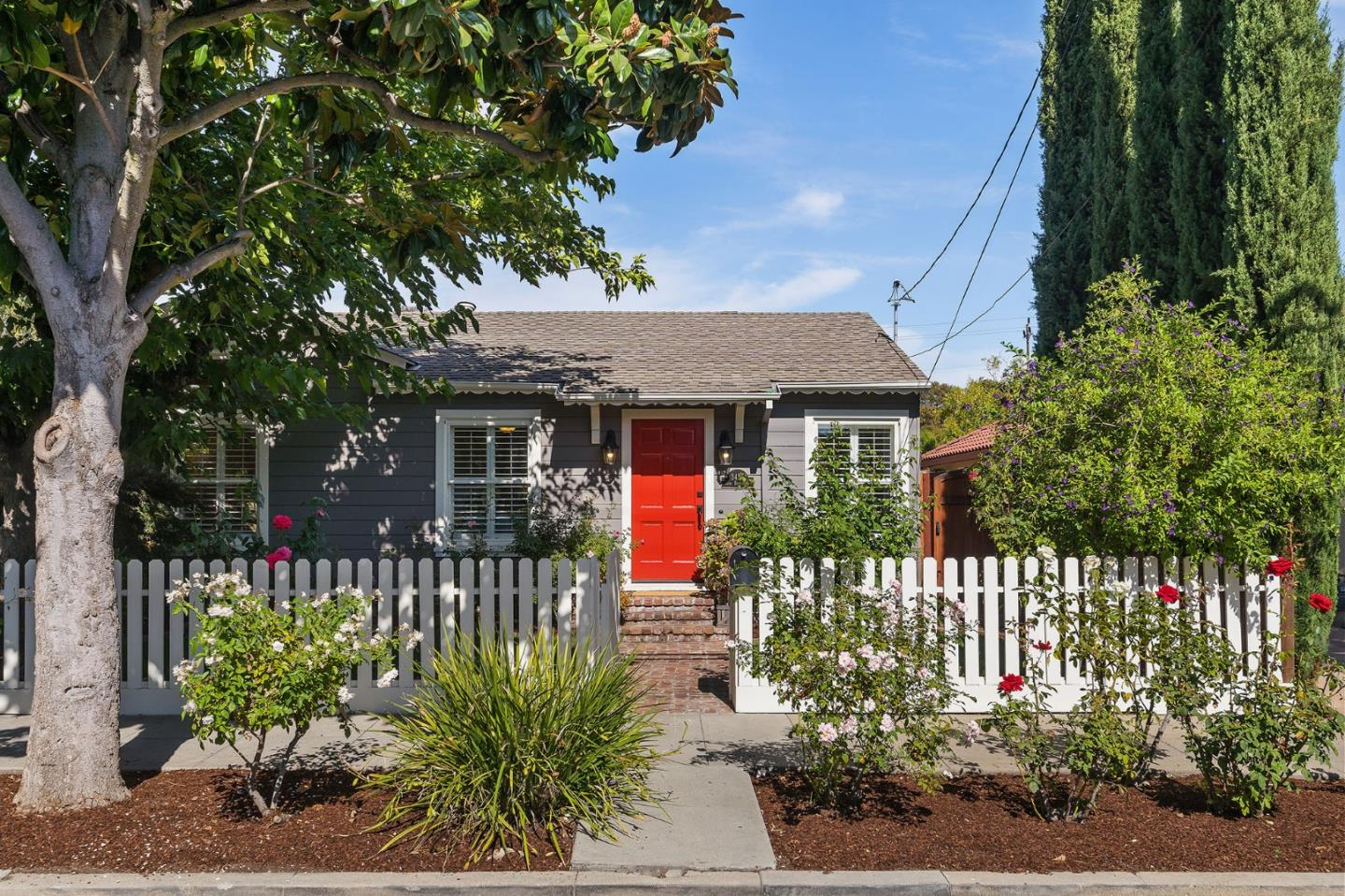 Detail Gallery Image 1 of 1 For 3437 Park Blvd, Palo Alto,  CA 94306 - 3 Beds | 1 Baths