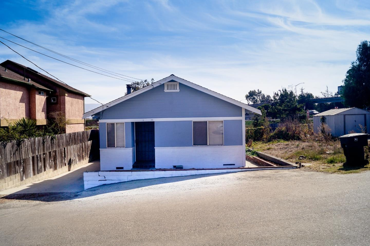 Detail Gallery Image 1 of 1 For 4 Santa Clara Ave, Salinas,  CA 93906 - 3 Beds | 1 Baths