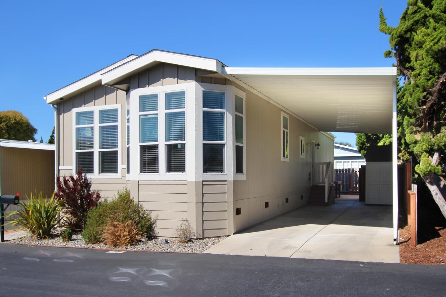 Detail Gallery Image 1 of 19 For 1099 38th Ave #69, Santa Cruz, CA 95062 - 3 Beds   2 Baths