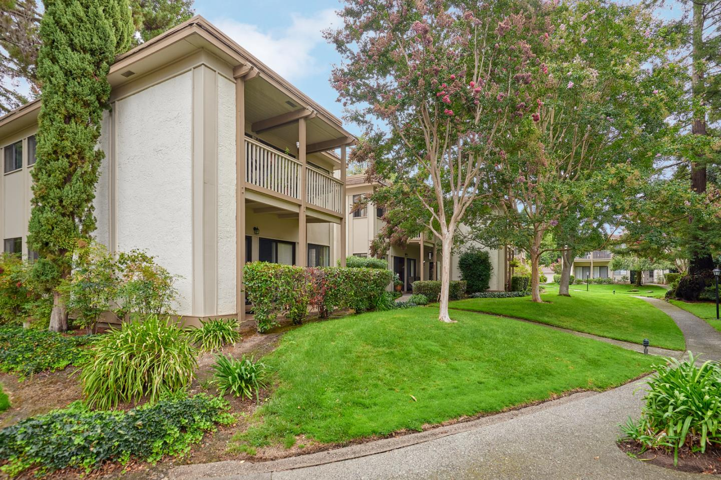 Detail Gallery Image 1 of 24 For 50 Horgan Ave #57, Redwood City, CA 94061 - 3 Beds | 2 Baths