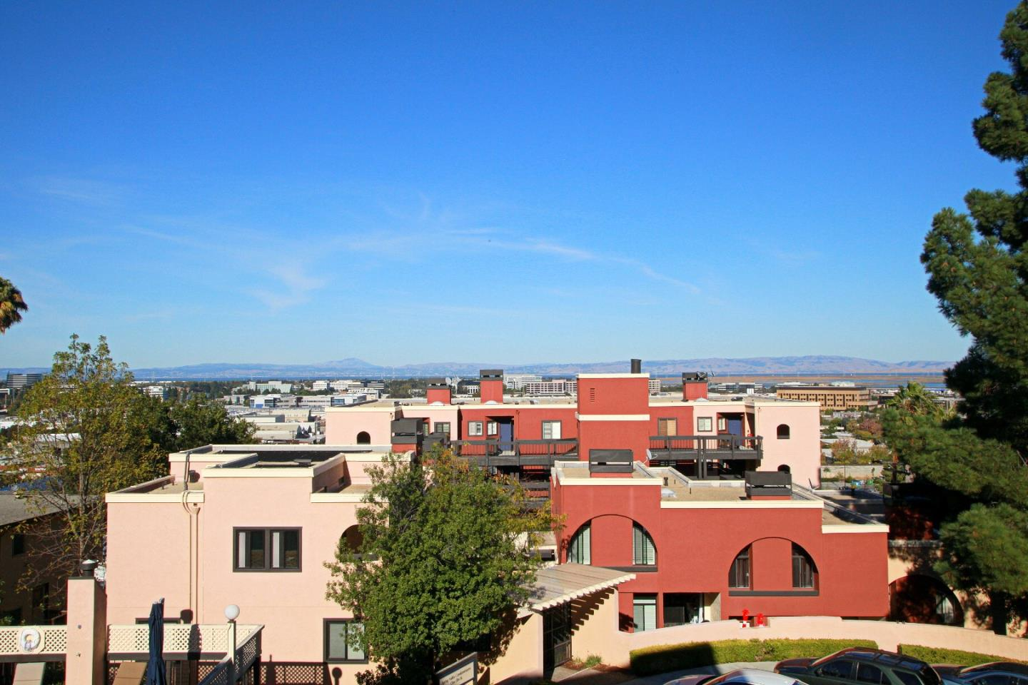 Detail Gallery Image 1 of 24 For 2 Elm St #201, San Carlos, CA 94070 - 2 Beds | 2 Baths
