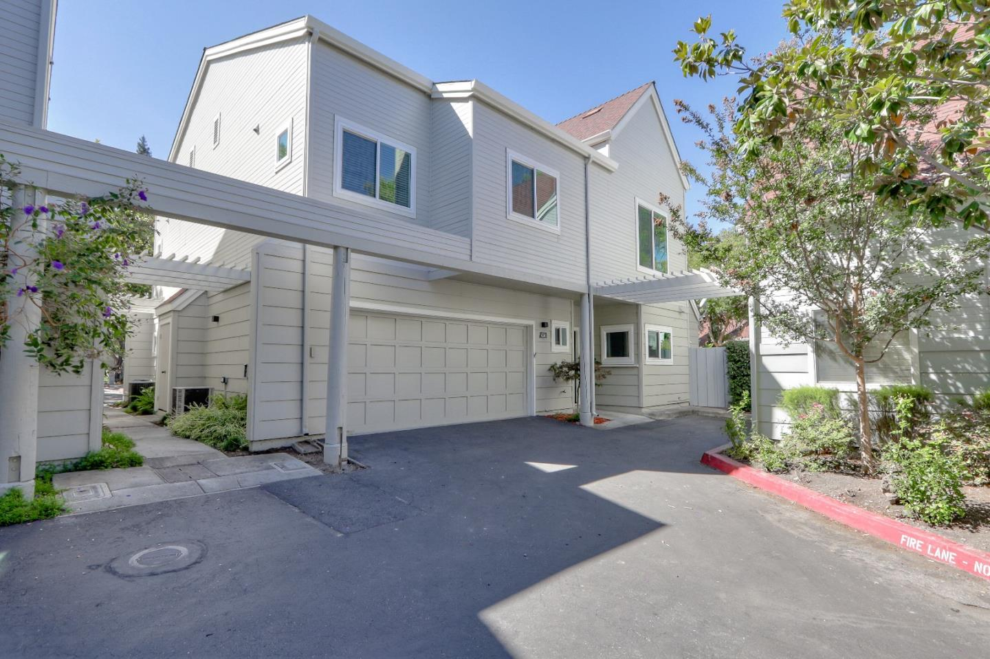 Detail Gallery Image 1 of 1 For 434 Rhone Ct, Mountain View,  CA 94043 - 3 Beds | 2/1 Baths