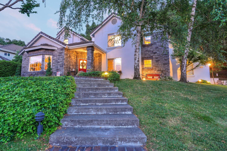 1774 Rancho Hills Court Gilroy, CA 95020