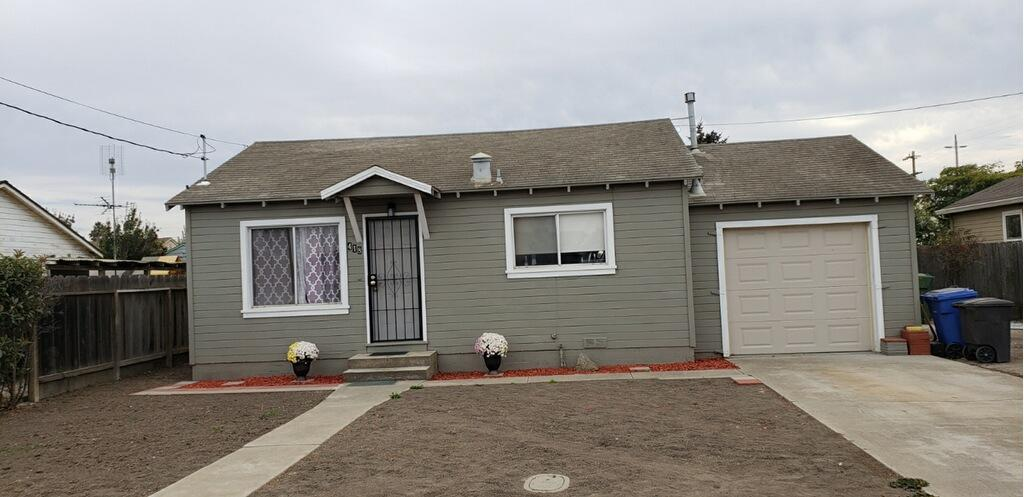 Detail Gallery Image 1 of 7 For 418 Elliot Ave, Gonzales, CA 93926 - 3 Beds   1 Baths