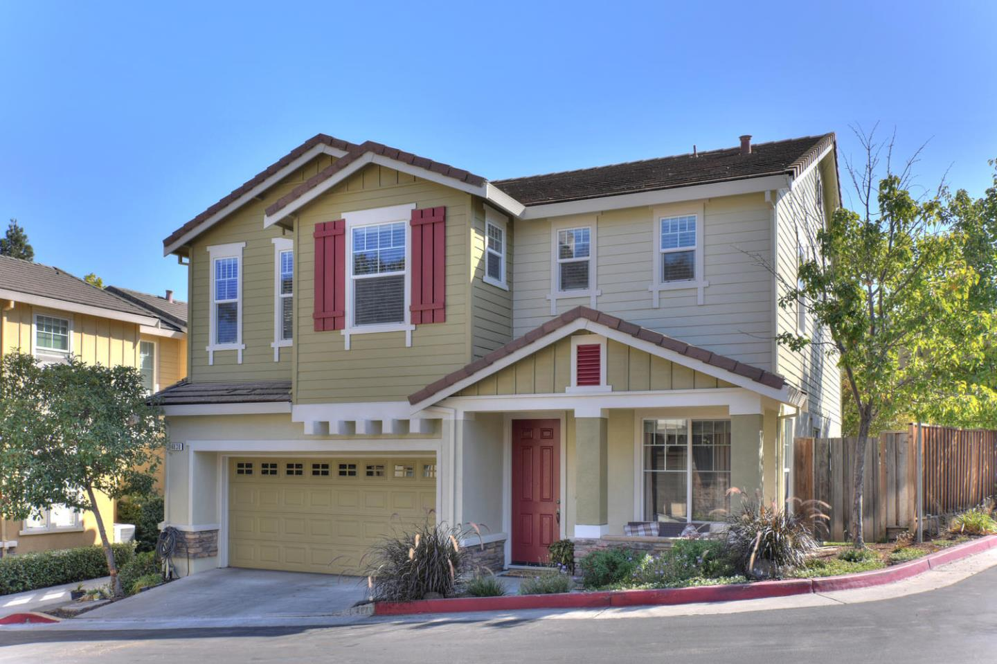 Detail Gallery Image 1 of 1 For 8830 Acorn Way, Gilroy,  CA 95020 - 4 Beds   2/1 Baths