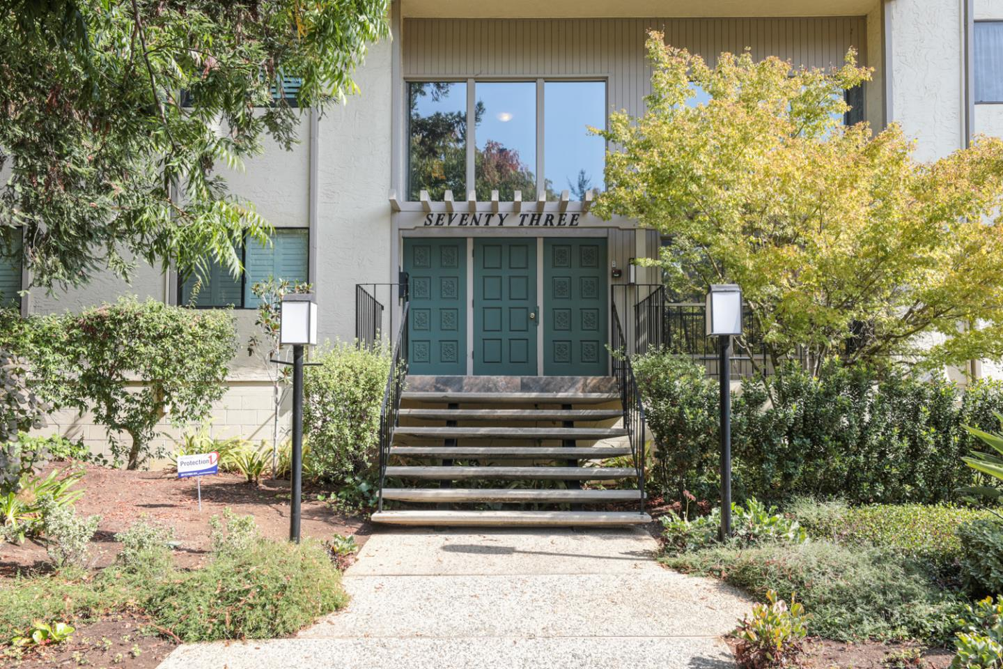 Detail Gallery Image 1 of 1 For 73 3rd St #15B, Los Altos, CA 94022 - 3 Beds | 2 Baths