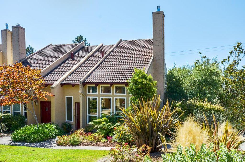 Detail Gallery Image 1 of 1 For 100 Jewell St, Santa Cruz, CA 95060 - 2 Beds | 1/1 Baths