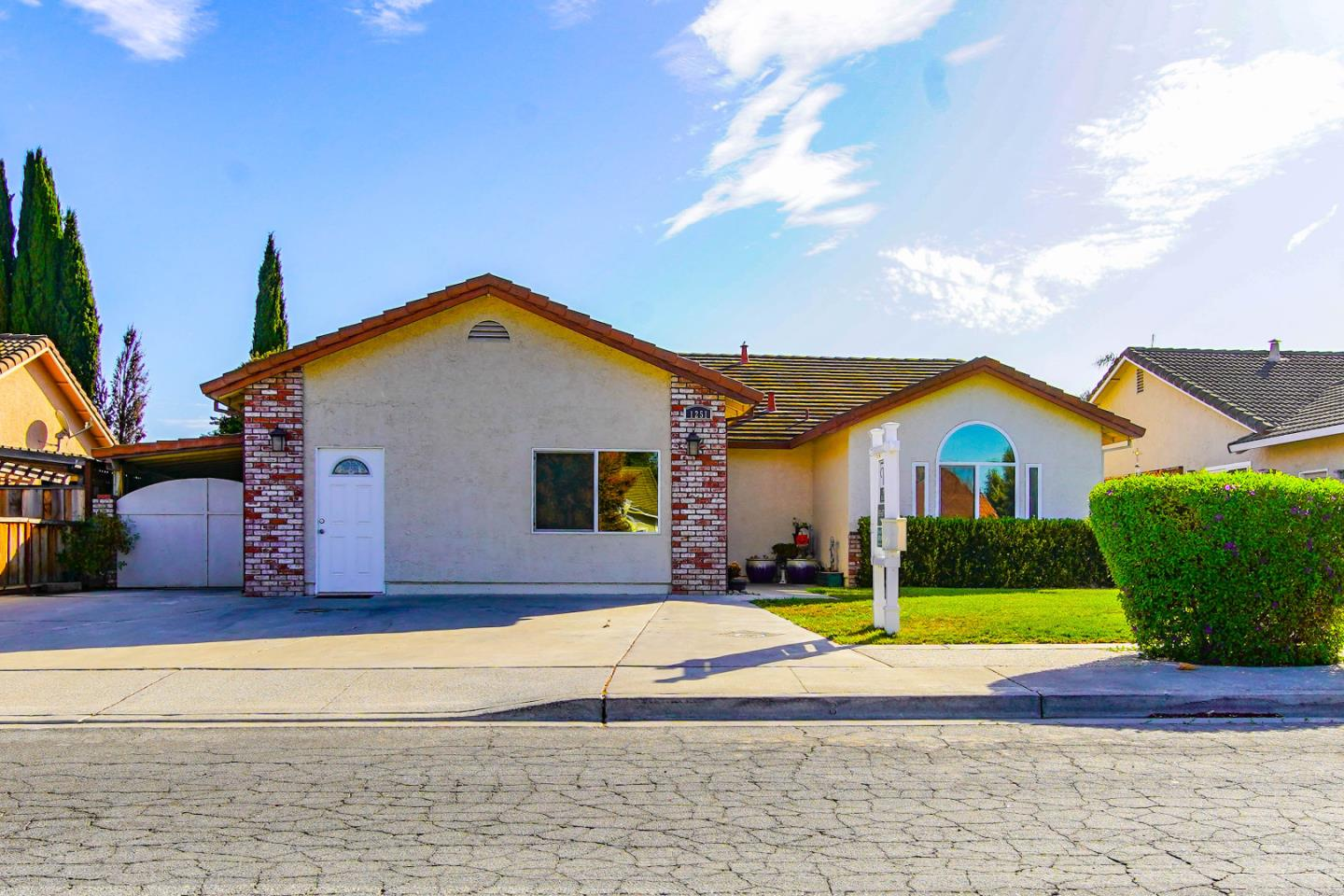 Detail Gallery Image 1 of 1 For 1251 Trieste Dr, Hollister, CA 95023 - 4 Beds   2 Baths