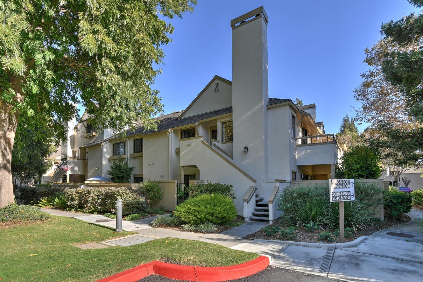 Detail Gallery Image 1 of 1 For 2043 Donovan Ct, San Jose,  CA 95125 - 2 Beds | 2 Baths